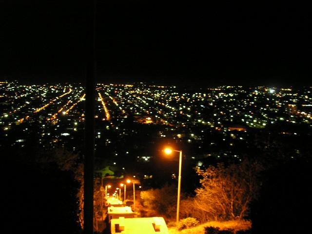 Holguin10 La loma de noche