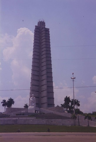 La Habana 6 - Obelisco Jos� Mart�