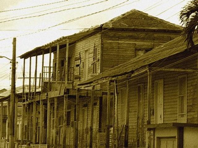 Banes - Edificio in legno